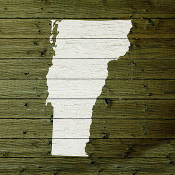 Design Turnpike - Map Of Vermont State Outline White Distressed Paint On Reclaimed Wood Planks