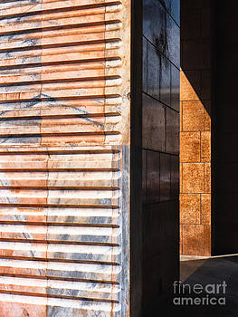 Silvia Ganora - Marble column with slant of light