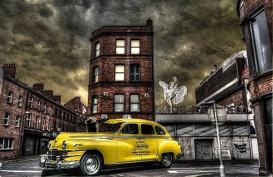 Marilyn And The Big Yellow Taxi by Roy Burns
