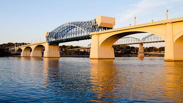 Market Street Bridge in Chattanooga by Robert Hainer