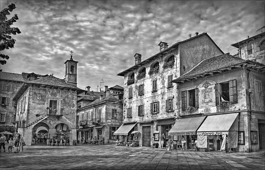 Market Town B-W by Hanny Heim