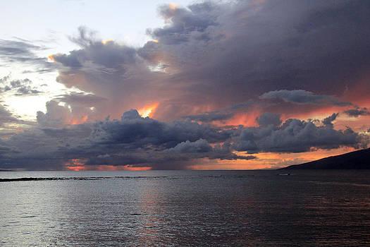 Maui Sunset by Gladys Turner Scheytt