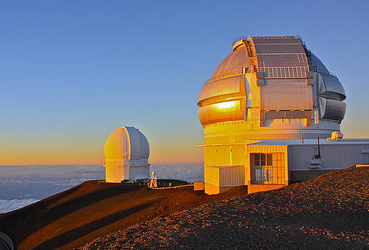 Venetia Featherstone-Witty - Mauna Kea Observatories at Sunset