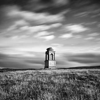 Mausoleum by Pawel Klarecki