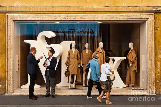 Max Mara store by Luis Alvarenga