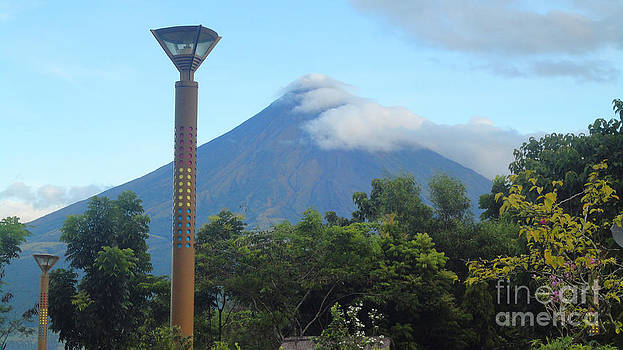 Mayon Sunrise by Manuel Cadag