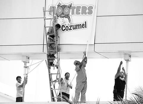 Ramunas Bruzas - Men At Work
