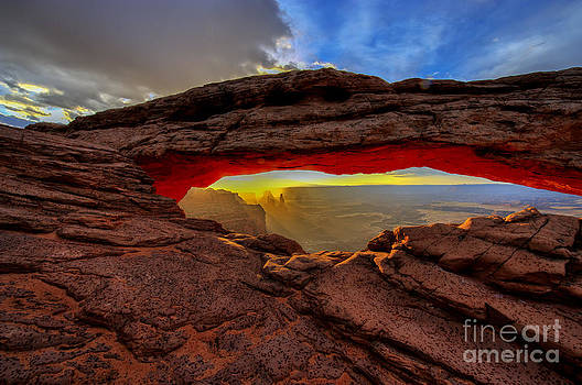 Mesa arch sunrise by Kenneth Eis