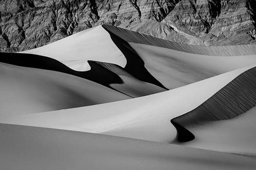 Mesquite Flat Dunes by Mike  Walker