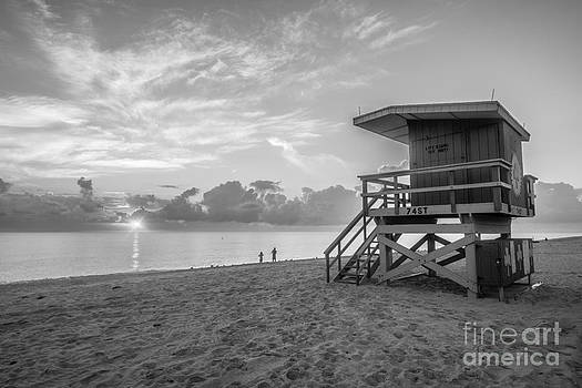 Ian Monk - Miami Beach - 74th Street Sunrise - Lifeguard Hut - Black and White