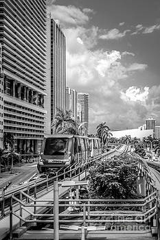 Ian Monk - Miami Metro Mover approaching station - Black and White