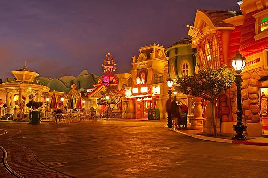 Mickey's Toontown by Jorge Guerzon