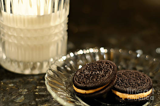 Lois Bryan - Midnight Snack