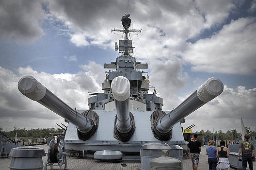 Mighty Guns USS North Carolina by Phil Mancuso
