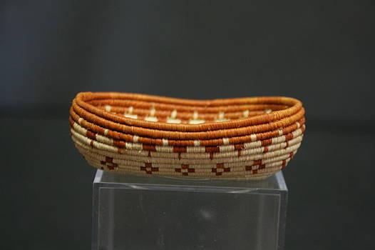 Mini Hand Woven Canoe Basket #1072 by Darlene Ryer