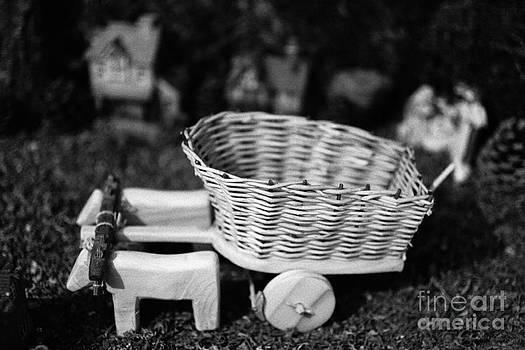 Gaspar Avila - Miniature oxen-cart