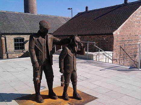 Mining Statue by Geoff Cooper