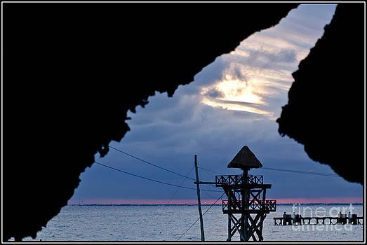 Mirada desde la cueva by Agus Aldalur