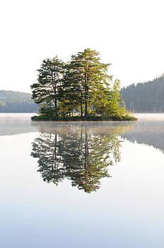 Mirror Lake II by Eliot Freed