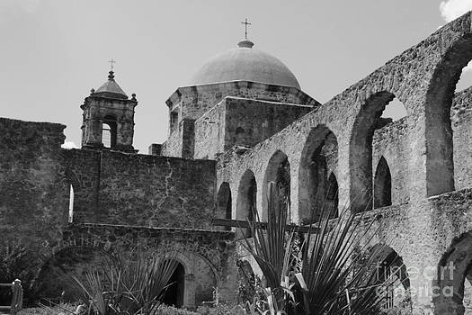 LNE KIRKES - Mission San Jose in Monochrome