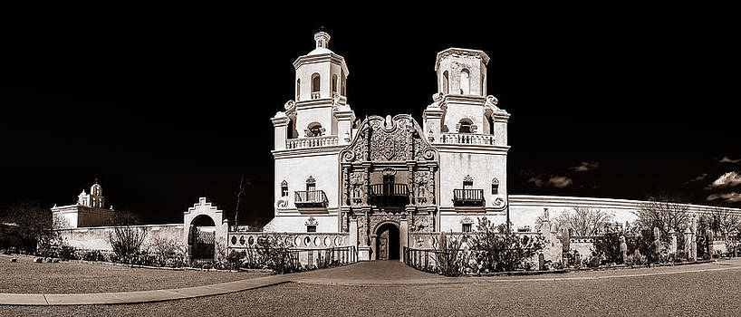 Chris Bordeleau - Mission San Xavier del Bac BW