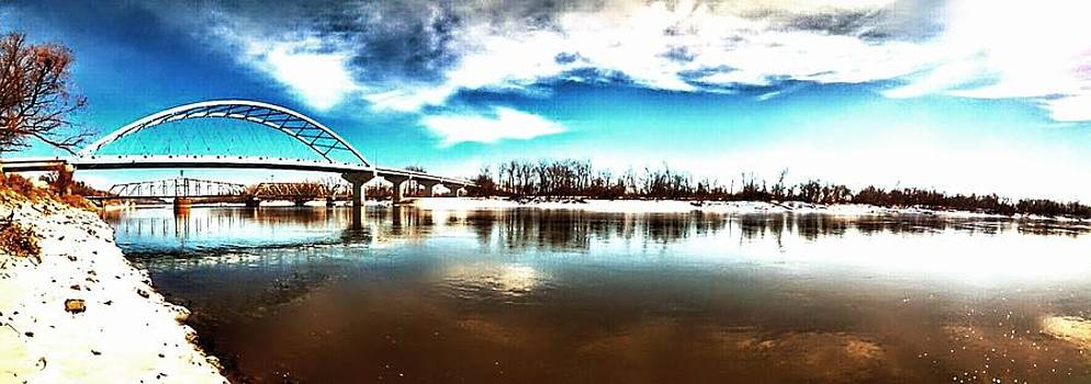 Missouri river and Amelia Earhart bridge by Dustin Soph