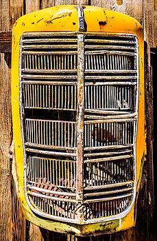onyonet  photo studios - Model EG Mack Truck Grill