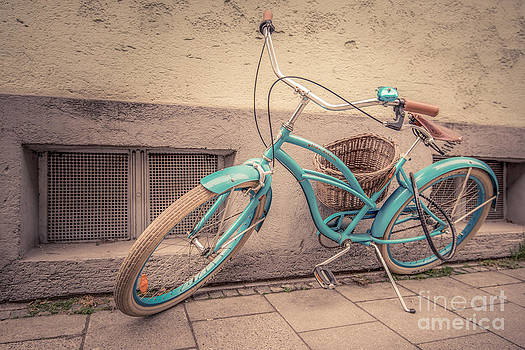 modern retro III by Hannes Cmarits