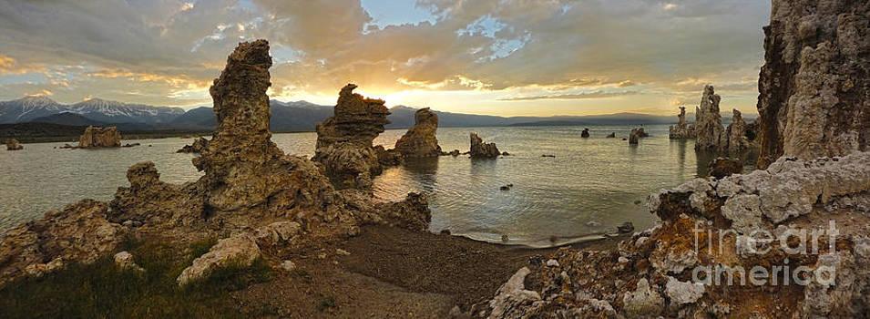 Gregory Dyer - Mono Lake - 25