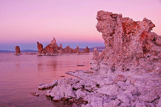 Dennis Cox WorldViews - Mono Lake Dusk