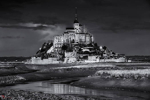 Mont saint-Michel B-W by Rob Heath