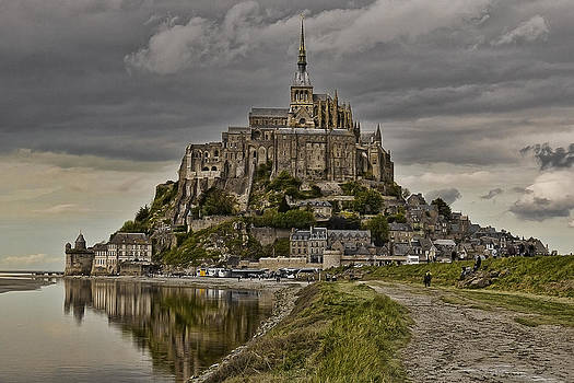 Wes and Dotty Weber - Mont St Michel at Low Tide