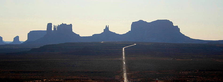 Monument Valley by L J Penrod