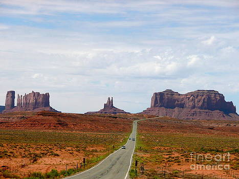 Monument Valley Scenic Drive by Rachel Gagne
