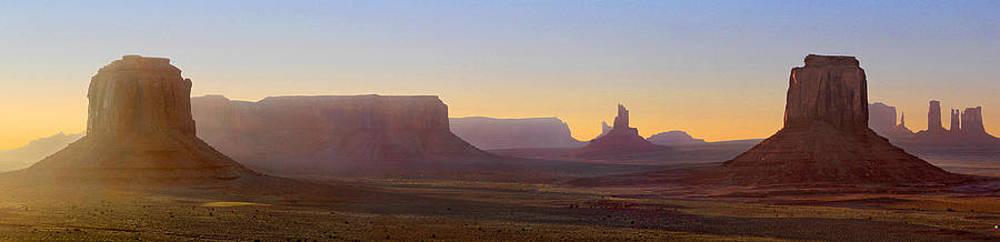 Mike McGlothlen - Monument Valley Sunset 3
