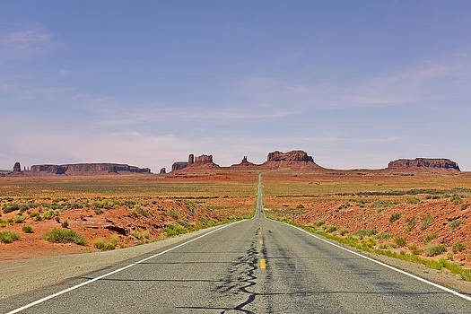 Christine Till - Monument Valley - The Classic View