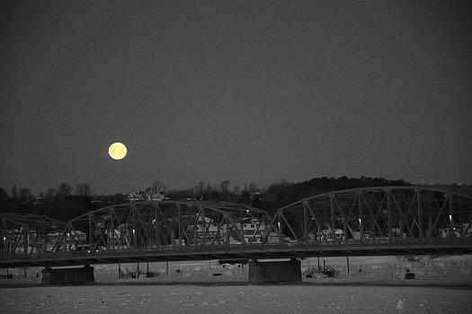 Larry Peterson - Moon Over The Steel Bridge