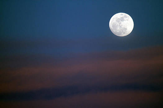 Moon Rise by Kevin Snider