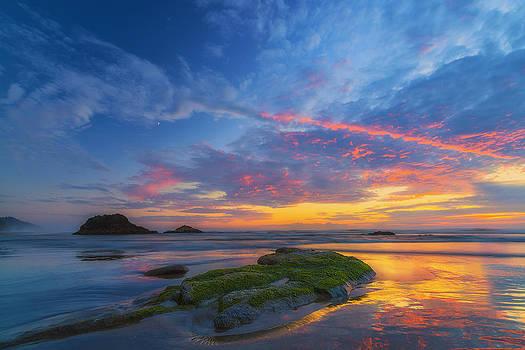 Moonrise at Hug Point by Ryan Manuel