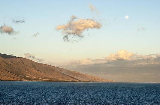Ramunas Bruzas - Moonrise Over Maui