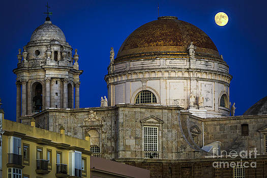 Moonrise Over the Holy Cross Cathedral Cadiz Spain by Pablo Avanzini