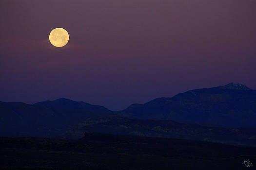 Moonrise by Rick Lewis