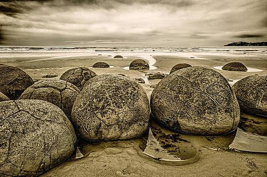 Judith Barath - Moreaki Boulders #1