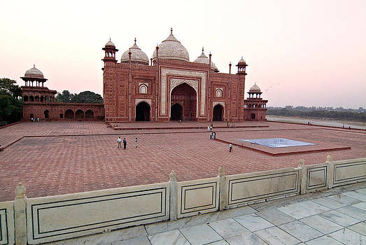 Devinder Sangha - Mosque at Taj Mahal