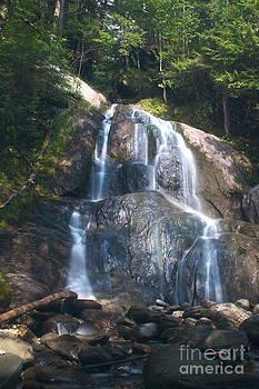 Amazing Jules - Moss Glen Falls