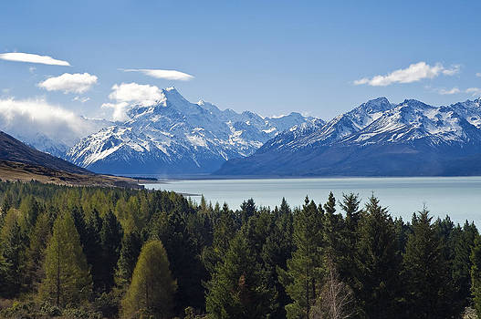 Mount Cook and Lake Pukaki by Ng Hock How