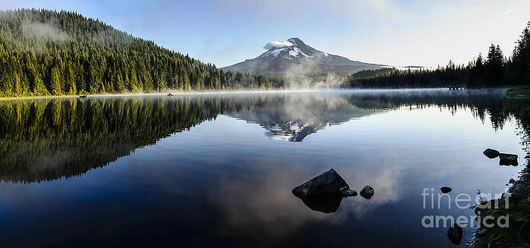 Oscar Gutierrez - Mount Hood reflected at Trillium Lake