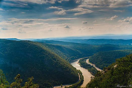Mount Minsi in Delaware Gap  by Ranjana Pai