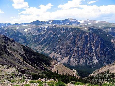 Beartooth Highway Switchbacks by Jaunine Roberts