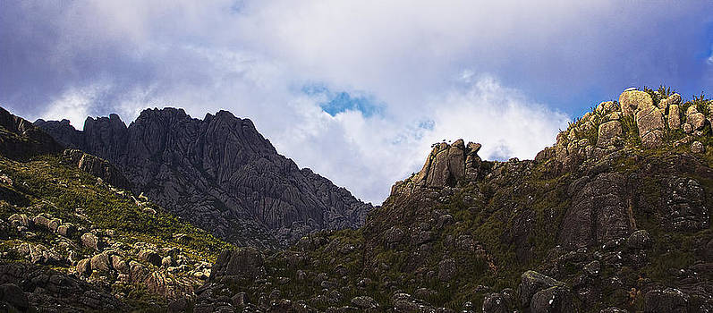 Mountain rocks by Philipe Kling David